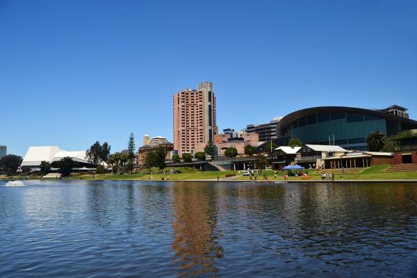 Adelaide und River Torrens, Süd-Australien