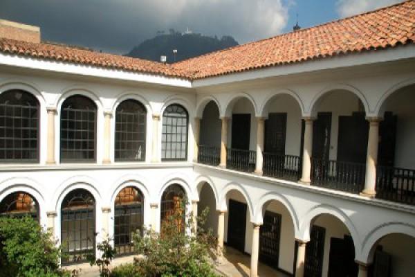 Im Kolonialstil gebauten Innenhof, Bogota
