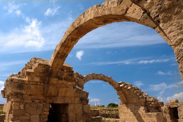 Saranta Kolones, Kastell bei Paphos
