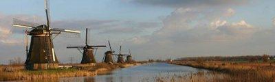Niederlande/Holland - Windmühlen von Kinderdijk im Winter