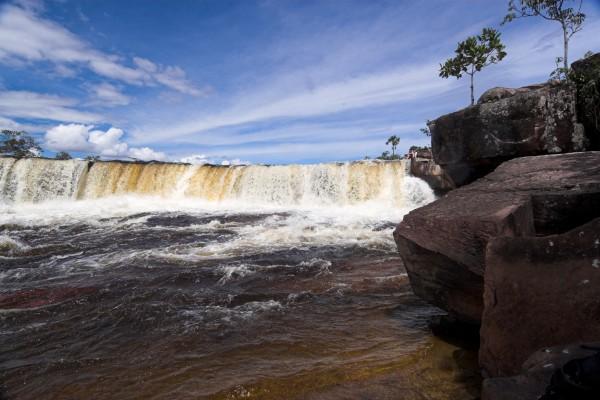 Sapo Falls, Canaima National Park, Venezuela
