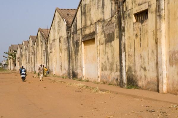 Fabrik-Gebäude in Guinea-Bissau