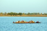 Traditionelles Langboot in Niger
