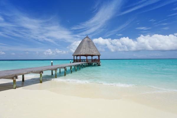 Landungssteg am Strand, Malediven