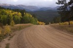 Backcountry Road in den Rockies